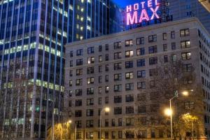USA - Maxi Grill - Max Miller's Guild Hotel
